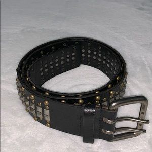 Rough Roses studded leather belt